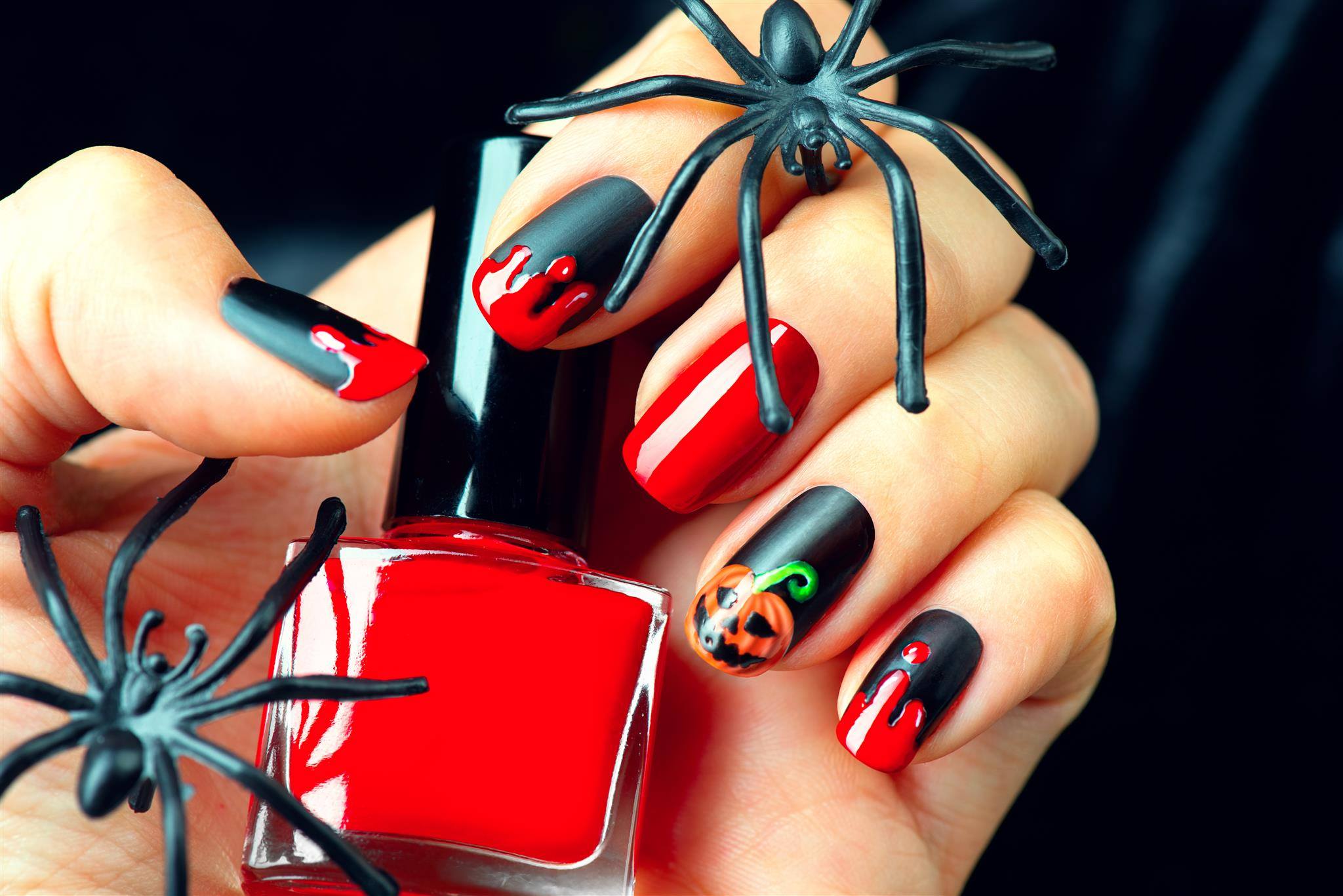 How to Paint Halloween Nails